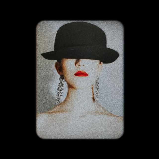 """Chanel Joan Elkayam's graduate show """" A Temptress in Disguise"""" is a masterpiece"""