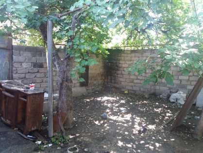 Продается участок земли в 300 метрах от станции метро Исани в Тбилиси