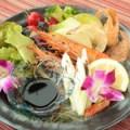 有頭エビと炙り野菜のバルサミコソース添え