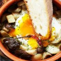 とろ卵と野菜のアヒージョ