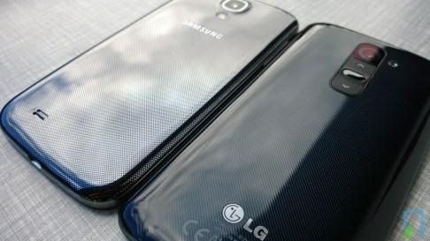 Galaxy S4 vs LG G2 Vergleich Rückseite