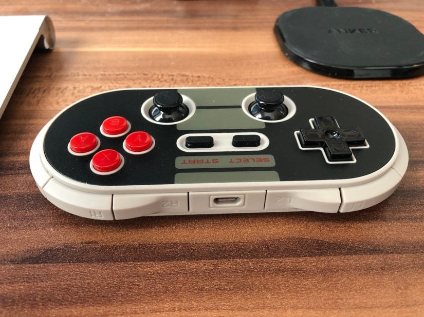 8BitDo N30 Pro Top Shoulder Button Layout