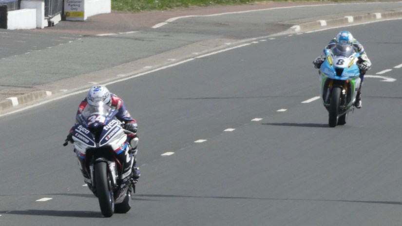 Alastair Seeley and Dean Harrison pushing along superbikes - at the 2018 NW2018 (19/05/2018)