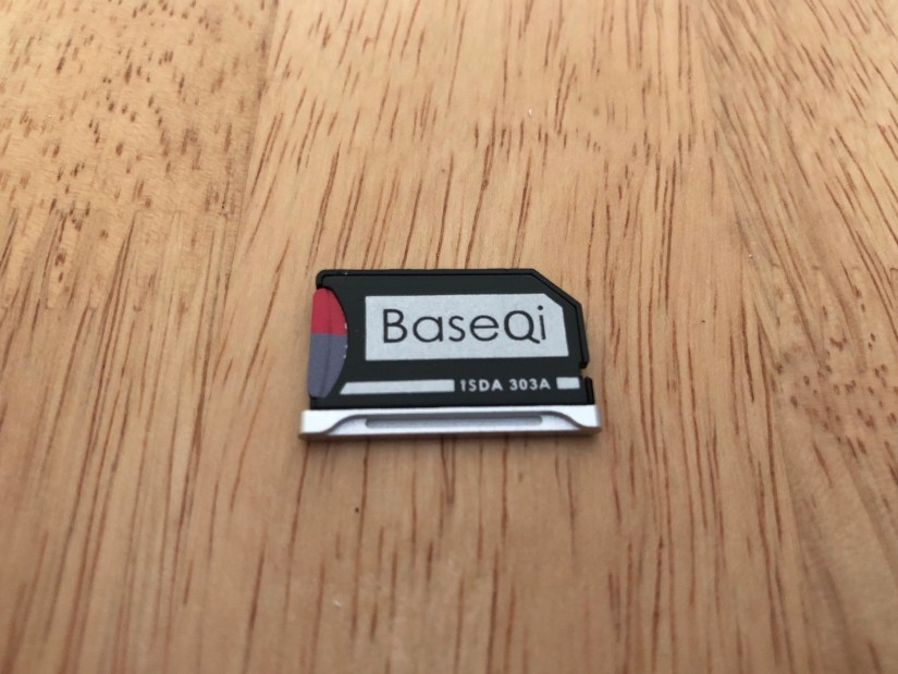BaseQi SD Card Adapter for MacBook Pro