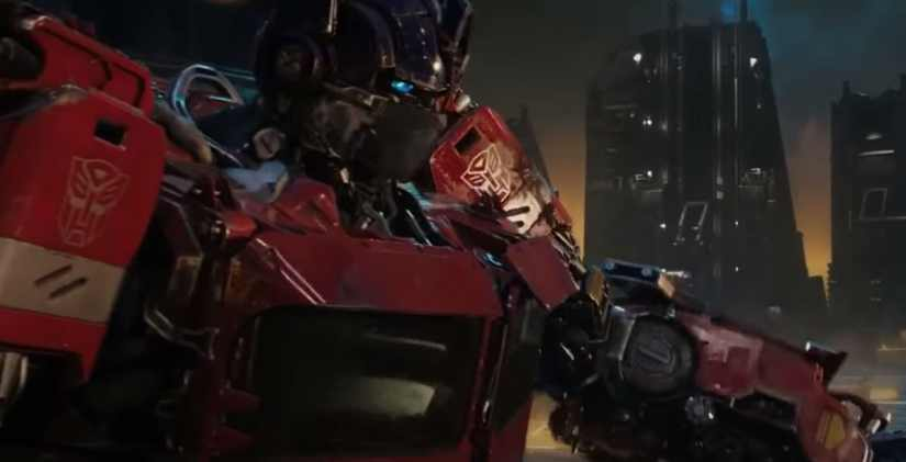 Optimus Prime makes an Appearance in the Bumblebee Movie