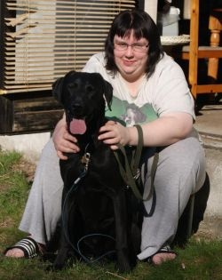 Om mig: Vores families hund Kato og jeg. - T-Cat's havetryllerier - haveblog