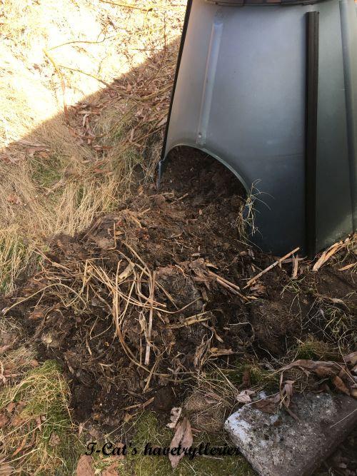 Foråret er så småt på vej - kompostbeholderen