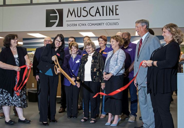 Ribbon Cutting by MCC President Naomi DeWinter of the newly remodeled MCC Library