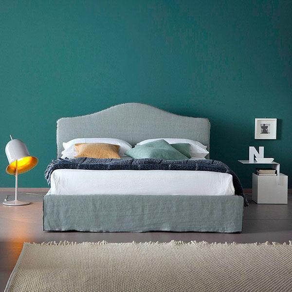 La camera da letto è una stanza particolare, è un ambiente privato e finalizzato al riposo, perciò l'arredamento e le finiture degli arredi devono. Wall Behind The Bed Colour Or Decoration 5 5 Ideas