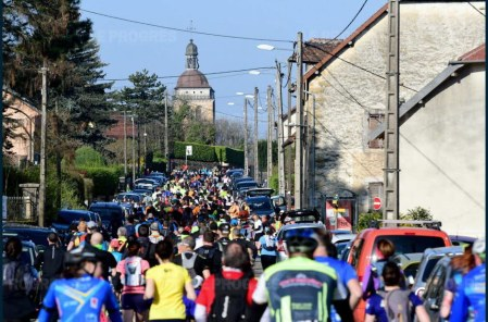 la-course-des-20-km-a-travers-les-rues-de-la-ville-d-arbois-photo-philippe-trias-1553594814
