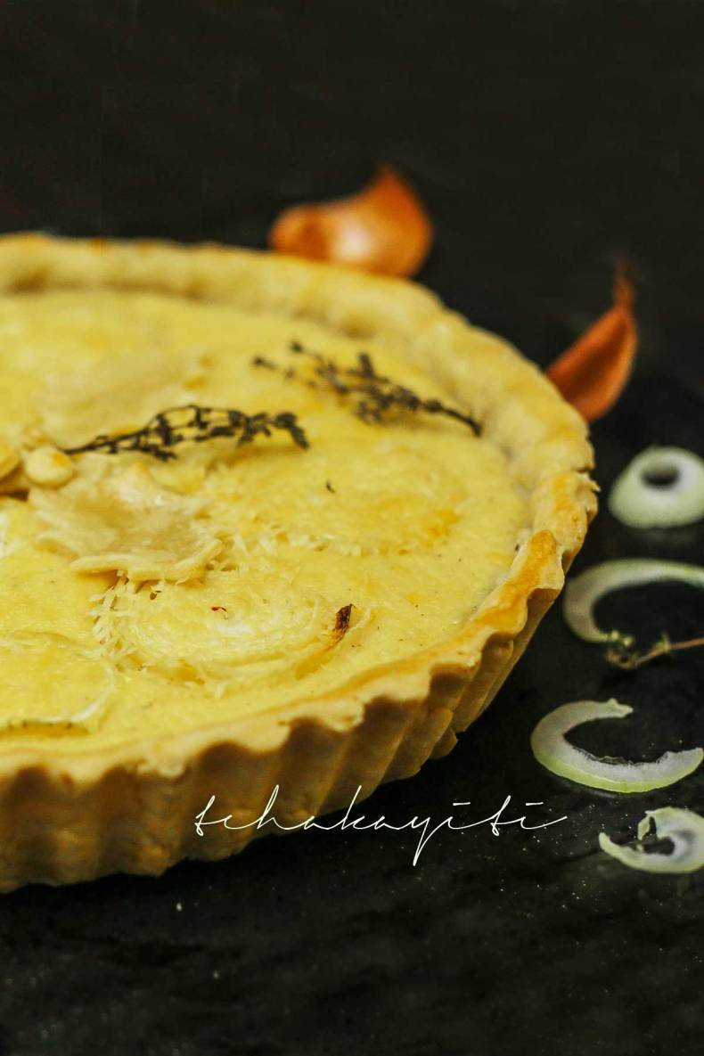 A delicious traditional Haitian onion pie for every single onion lover out there. | tchakayiti.com