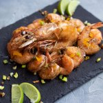 This fried shrimp recipe is an attempt to replicate the ones I grew up eating from a street merchant in Haiti. They were a pure delight. | tchakayiti.com