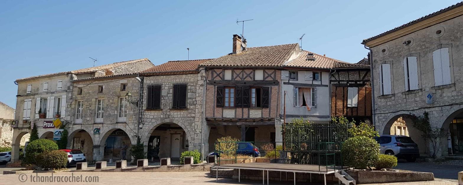 Façades de Beauville en Lot-et-Garonne