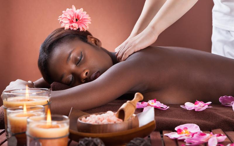 Idée cadeau pour elle pour la saint-valentin : le massage