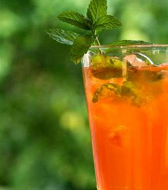 Unique and sophisticated tea cocktails for the dog days of summer