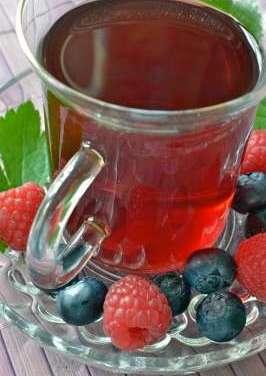 Hot tea and fragrant fruit