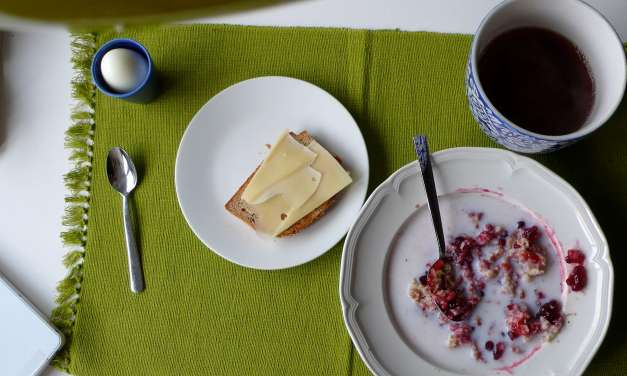 Brewing Loose Tea with a 20-Minute Breakfast