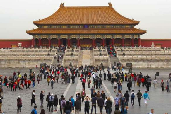 tourists-and-temple-forbidden-city-beijing-china