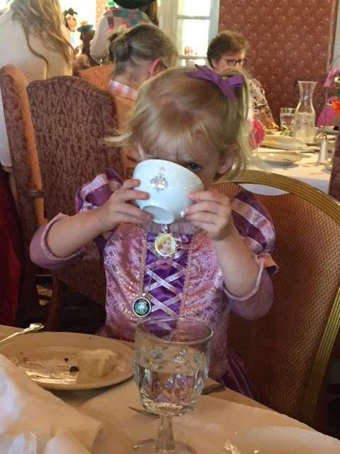 At What Age is it Safe to Give Your Child Tea?