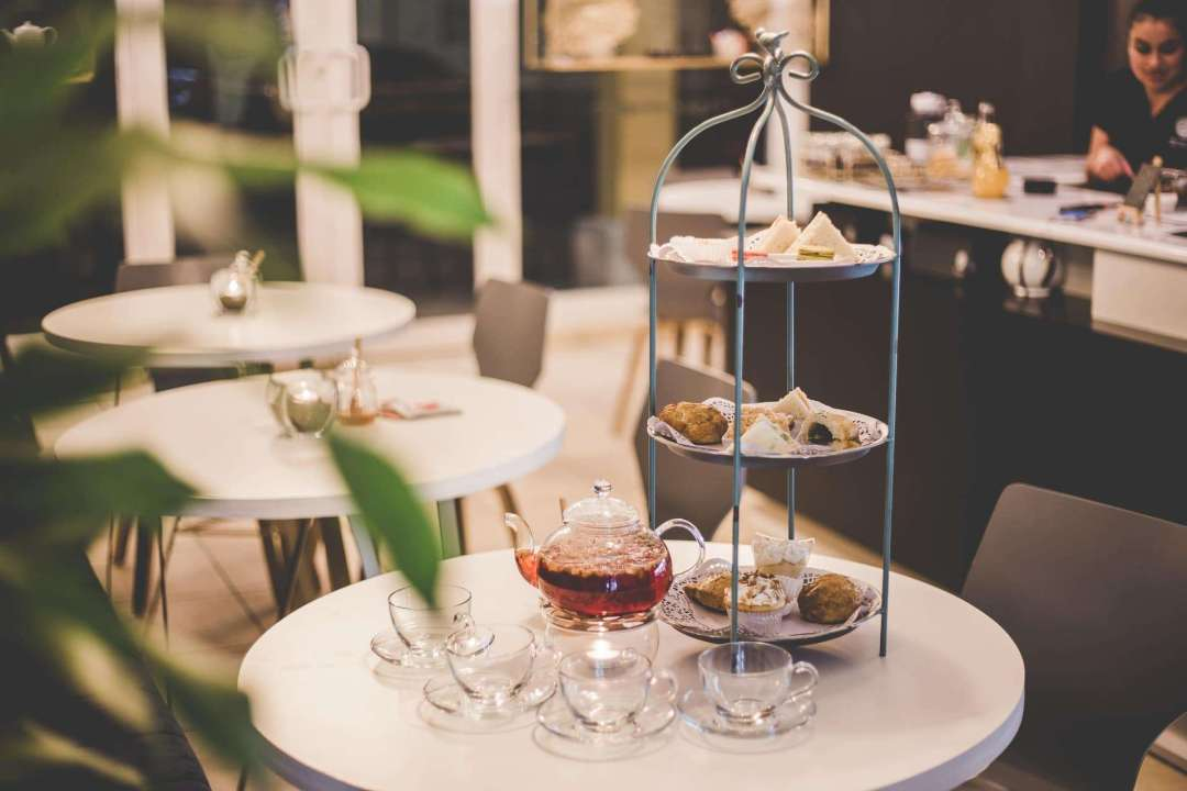 10 Tea Experiences Around the World You Shouldn't Miss - Photo of an English tea