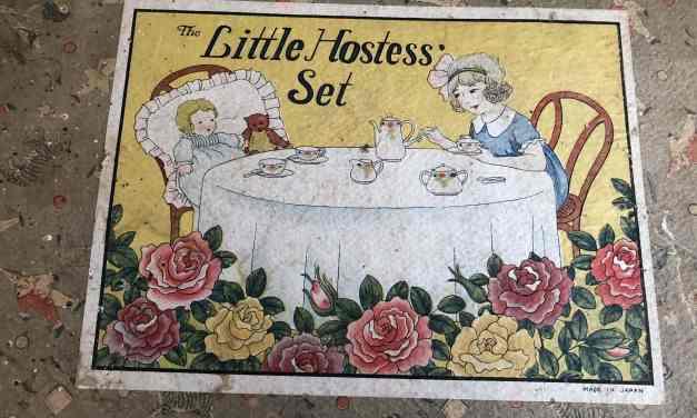 Little Hostess' Tea Set
