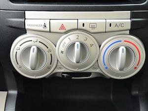 車 エアコン 臭い 対策、2