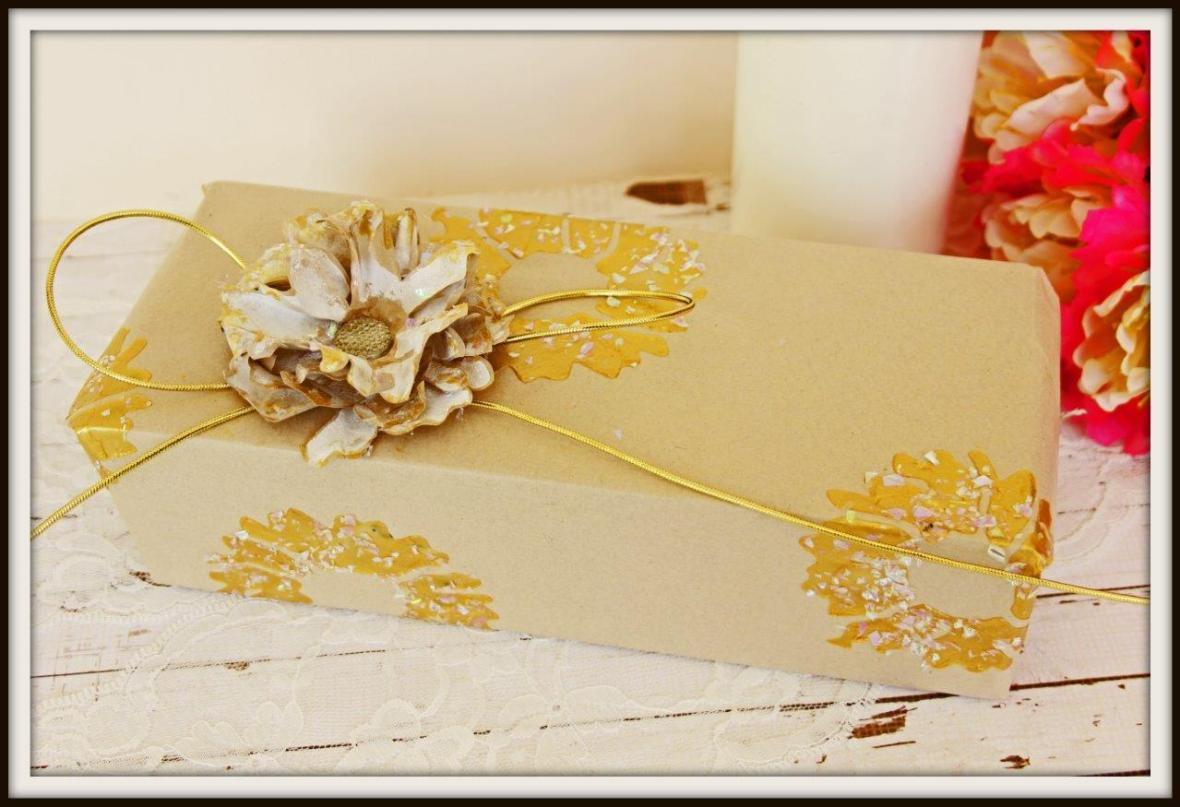 present wrap and decoration full