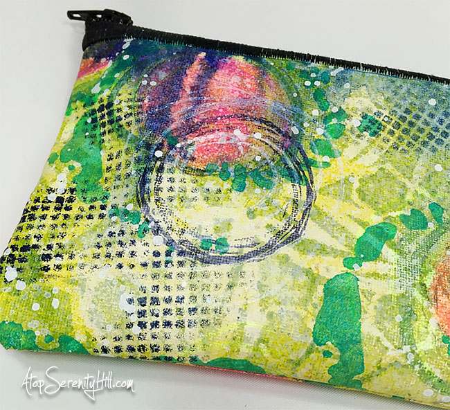 Painted Canvas Pouch using stencils from The Crafter's Workshop • AtopSerenityHill.com #zipperpouch #stencils #artsupplies