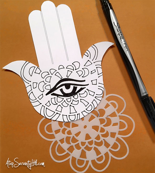 Hamsa greeting card using stencils from The Crafter's Workshop to doodle the design • AtopSerenityHill.com #stencils #hamsa #doodling