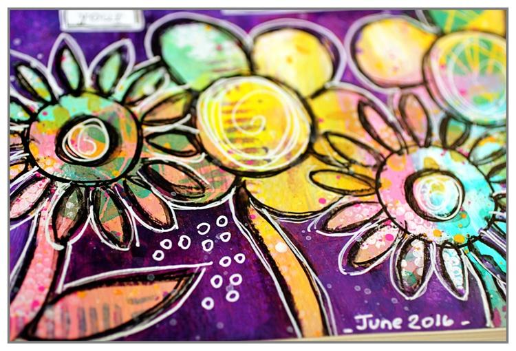 Yasmina TINSANG - Fun doodled flowers with TCW stencils