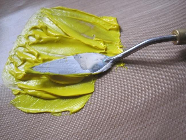 Mix TCW clear modeling paste with TCW Lemon Custard heavy body acrylic LEFKO