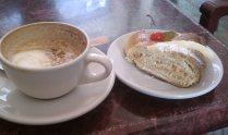 rosca de reyes and latte, Cafe Nuevo Mundo