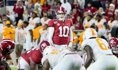 Mac Jones goes through pre-snap reads in Alabama and Tennessee 2019 matchup