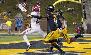 Jaylen Waddle catches a TD pass versus Missouri to open 2020 season for Alabama