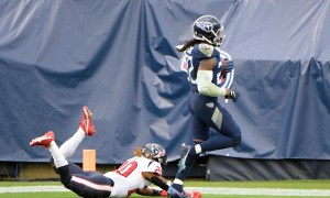 Derrick Henry reaches end zone for 94-yard touchdown versus Texans