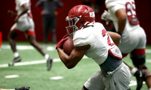 Keilan Robinson running the ball at Alabama spring practice