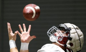 Alabama tight end Robbie Ouzts (#45) with a catch in fall practice