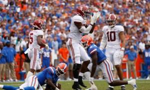 Will Anderson (#31) celebrates a big defensive play for Alabama versus Florida