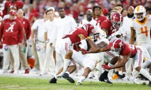 Alabama's secondary tackles a Tennessee receiver