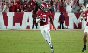 Jalyn Armour-Davis returns interception during Alabama - Tennessee game
