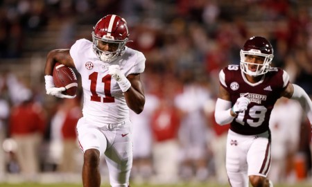 Traeshon Holden (#11) running for a touchdown for Alabama versus Miss. State