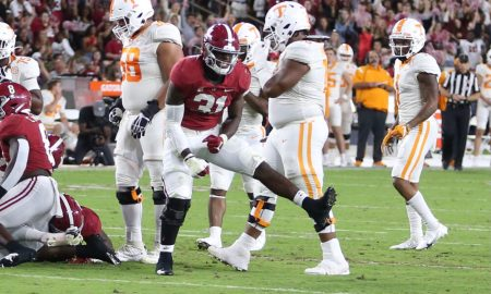 Will Anderson celebrates a tackle against Tennessee