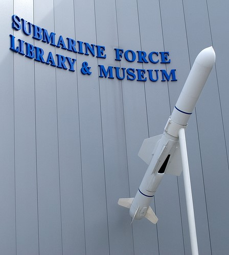 File: UGM-84 zıpkını denizaltı kuvvet Müzesi girişinde.jpg