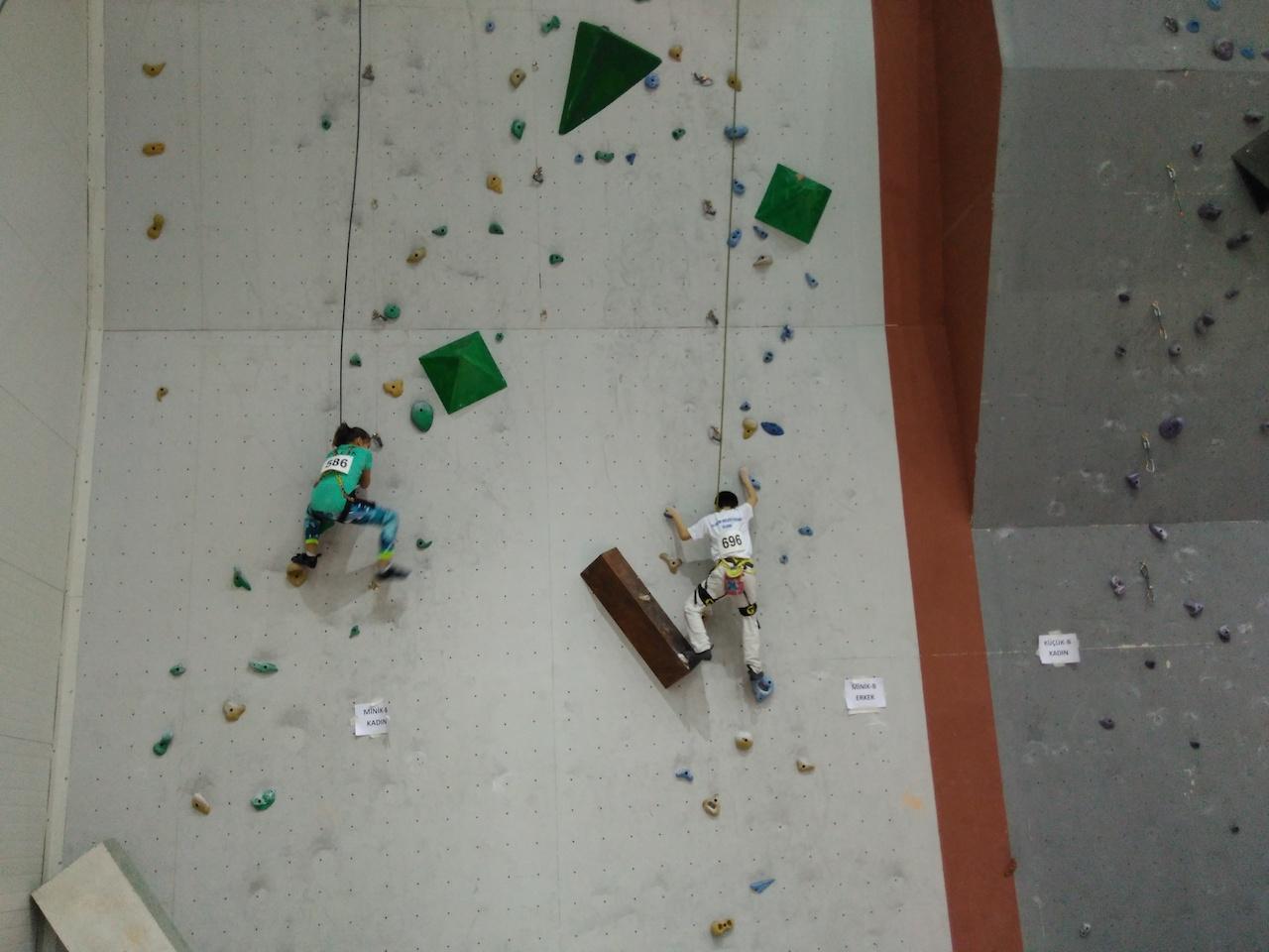 Spor Tırmanış Minikler, Küçükler ve Gençler Lider Tırmanış Şampiyonası 1. Ayak tamamlandı.