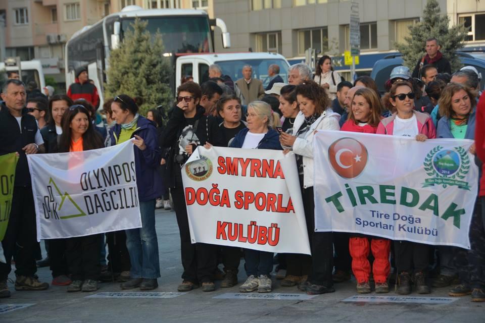 İzmir İl Temsilciliği ATA'ya Saygı ve Anma Etkinliği gerçekleştirildi.