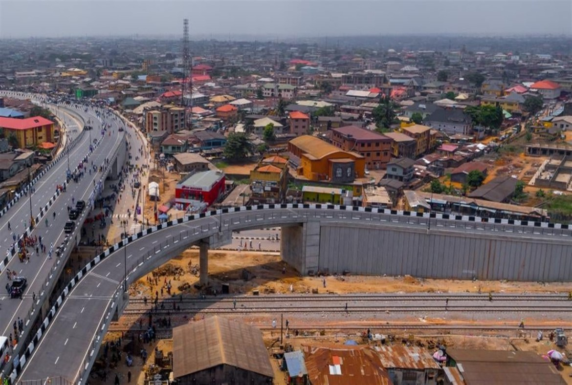 News Update: TRAFFIC RELIEF IN AGEGE, AS SANWO-OLU COMMISSIONS PEN CINEMA FLYOVER