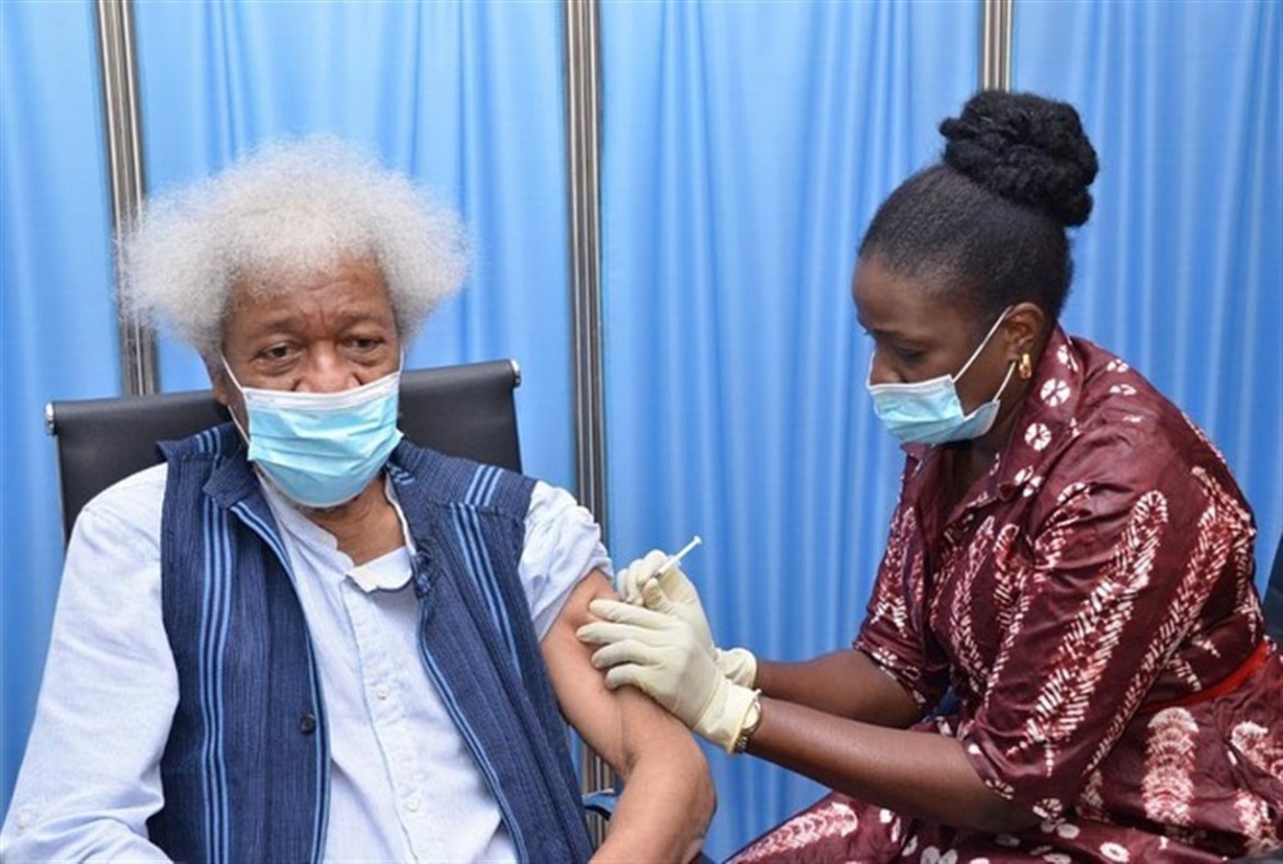 Nobel Laureate Prof. Wole Soyinka receives Astrazenca Covid-19 vaccine with a message