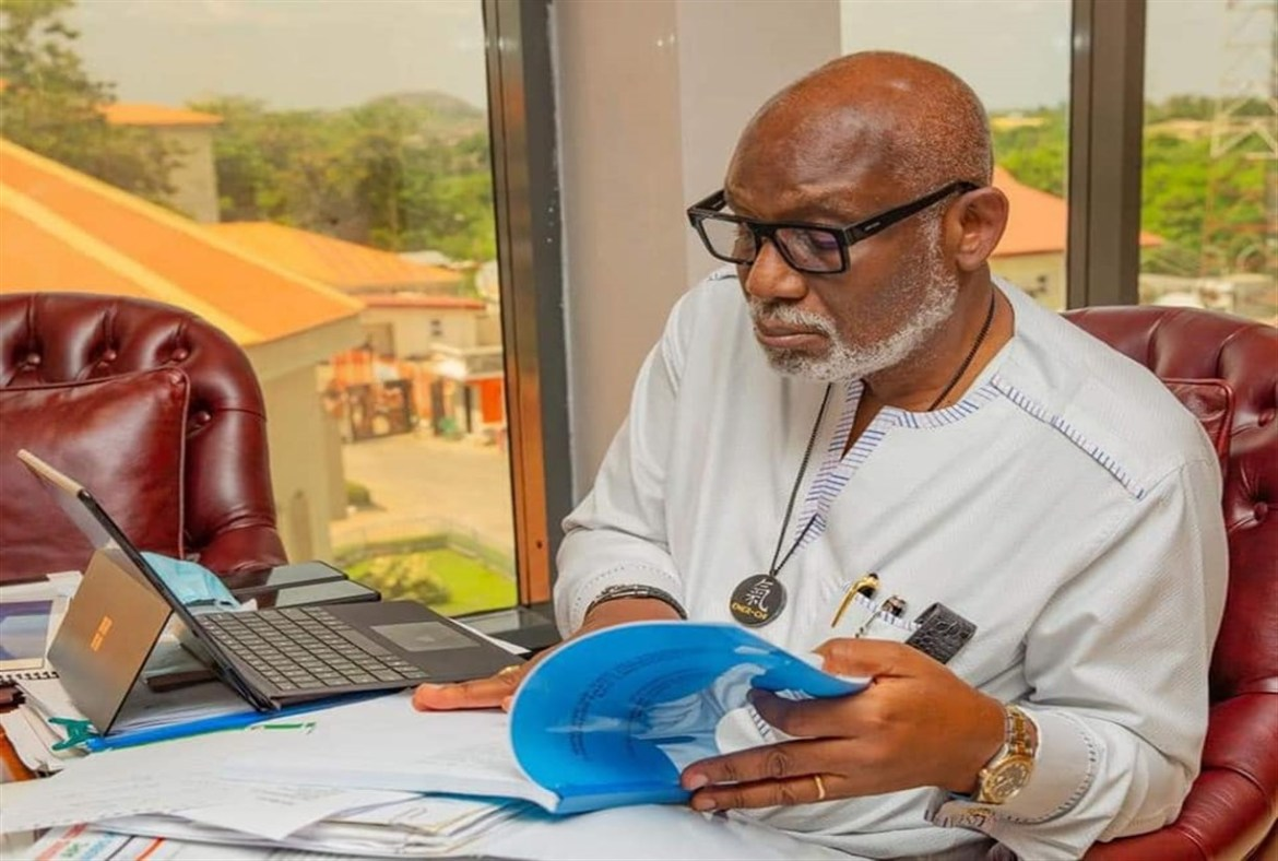 APC Constitution Review: Gov Akeredolu Receives Southwest Committee's Report