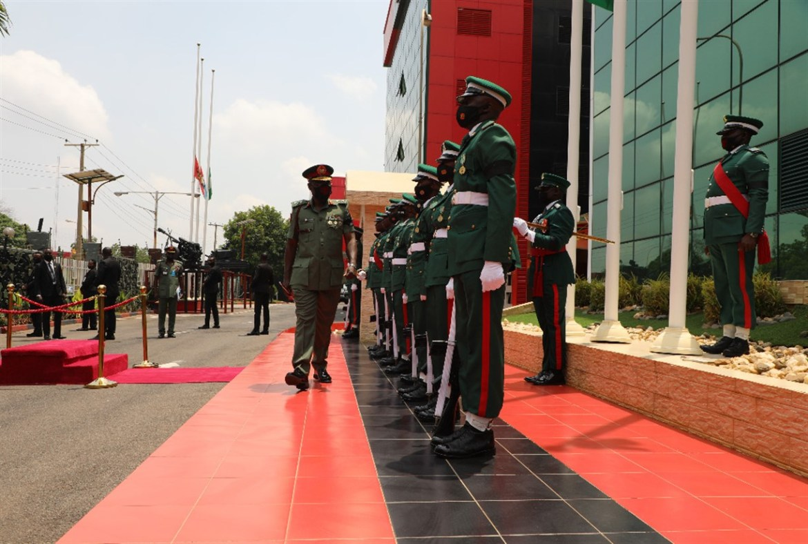 CDS Hosts New COAS, Urges Him To Build On Legacy