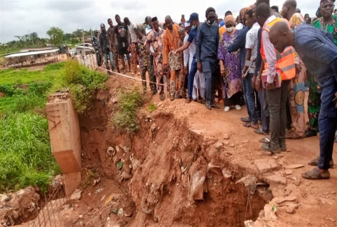 Akande-Sadipe, Min of Works Calls Out Contractor Handling Olomi Road